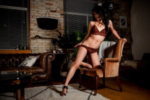 Carlina nuru massage in Iowa City