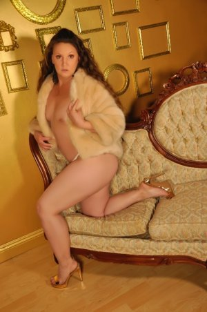 Luana tantra massage in Weston WI