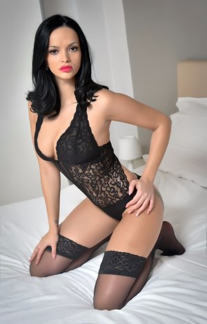 Maria-soledad erotic massage in Raytown